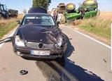 Mercedes proti traktoru