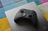 Microsoft špeciálne pre Taco Bell spravil Xbox One X edíciu s Elite Controllerom 2